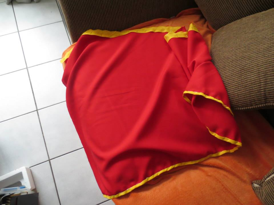 Supergirl Cosplay cape with binding