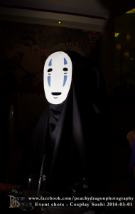 no face cosplay by Sam Secrets.