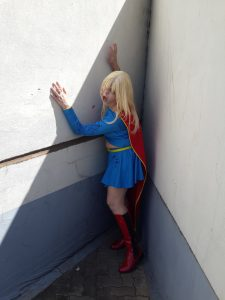 supergirl cosplay zombie look and makeup
